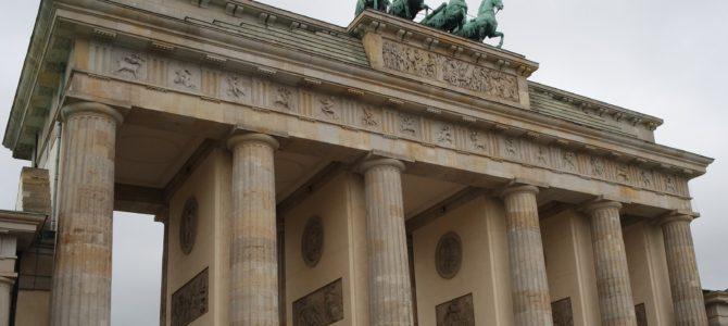 Para não passar despercebida – a linha do muro de Berlim