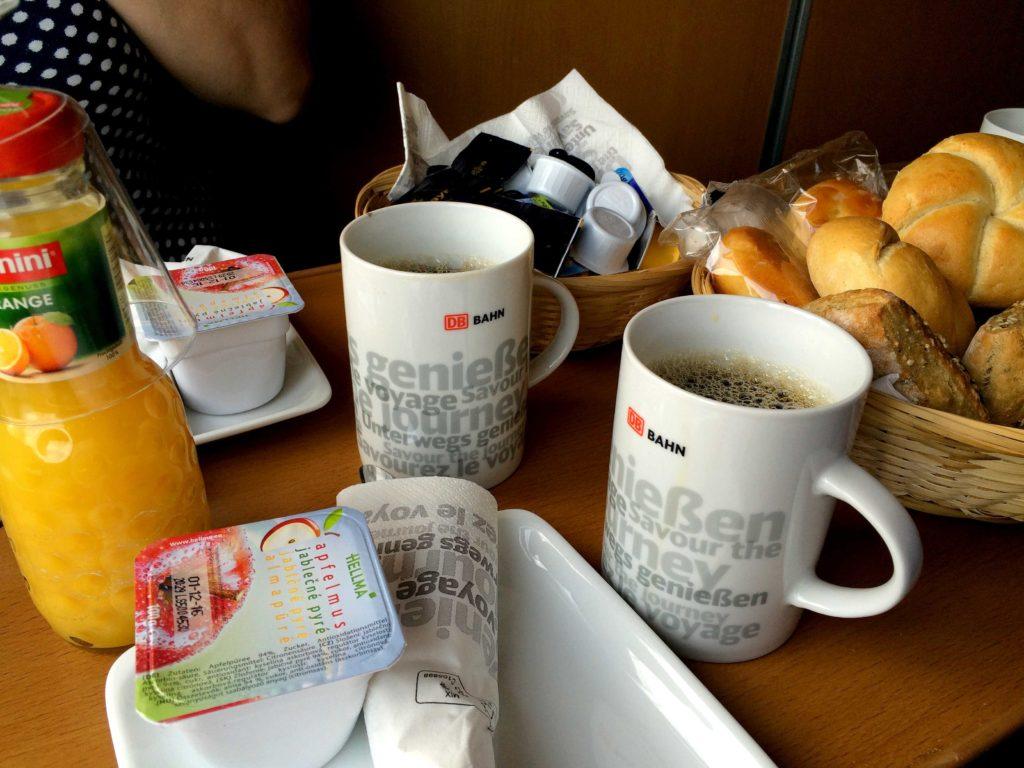 Café da manhã servido pela Bahn
