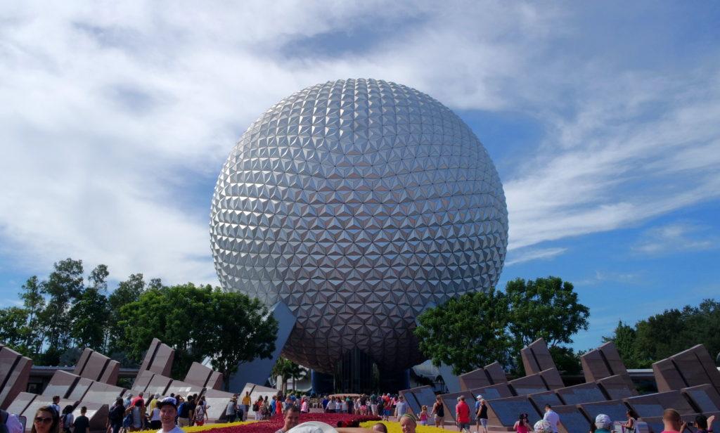 Spaceship Earth, bola gigante que é o símbolo do Parque Epcot