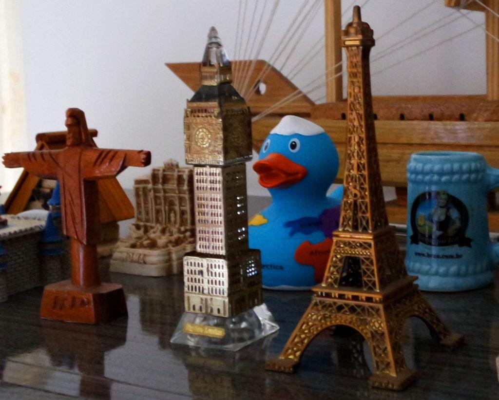 Torre Eiffel, Big Ben, Cristo Redentor e outras miniaturas de viagem