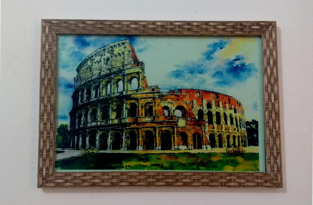 Quadro do Coliseu pendurado na parede