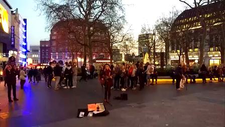 Música de rua na Leicester Square