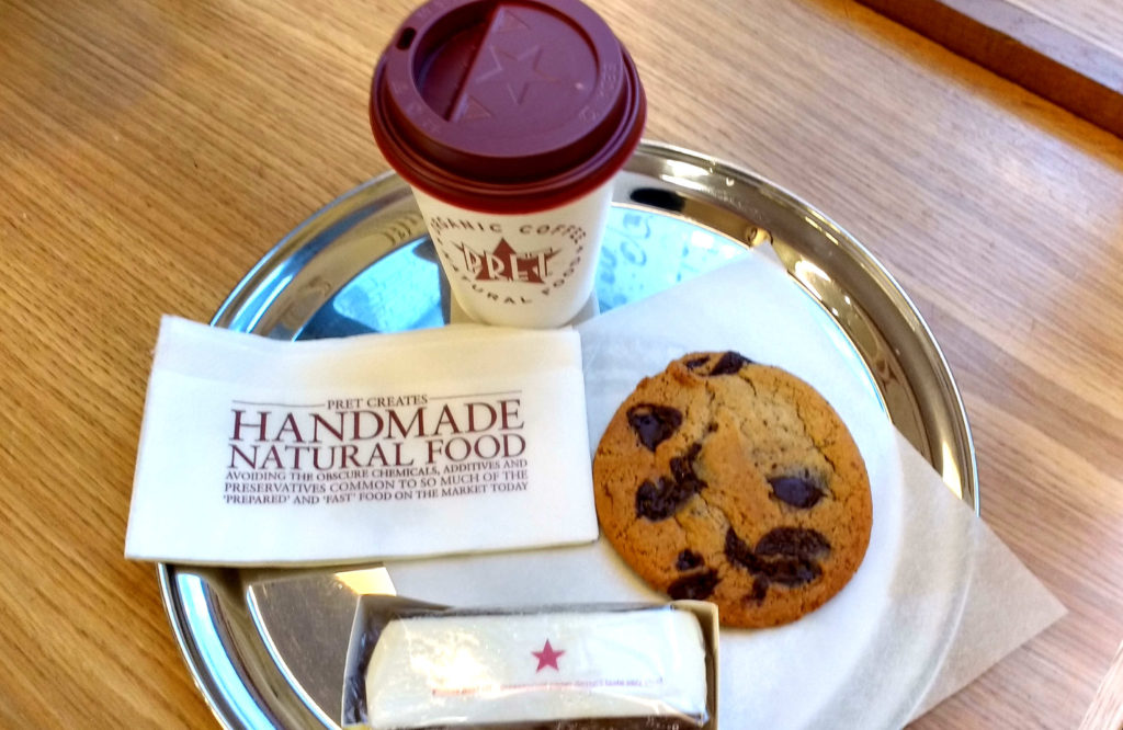 Cookies e hot chocolate pret a manger