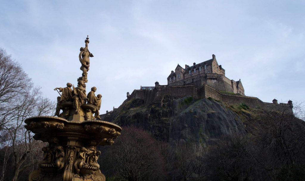 Castelo de Edimburgo, no alto da Castle Hill