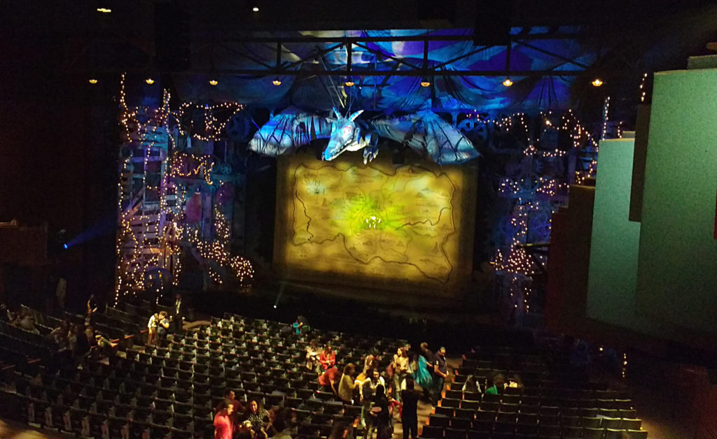 Palco de Wicked, no Teatro Renault
