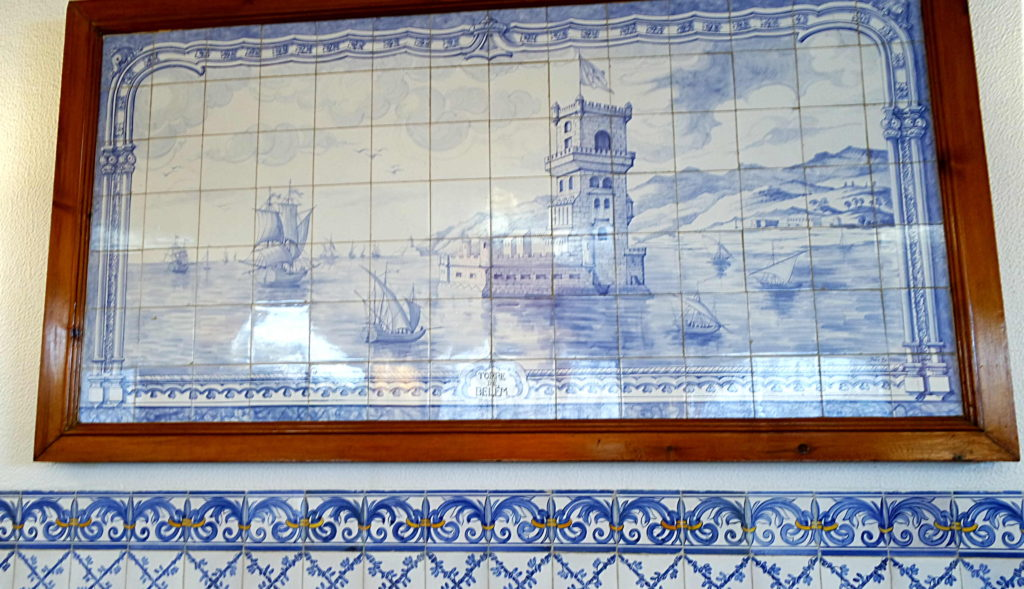 Azulejos no ambiente interno da Antiga Confeitaria de Belém