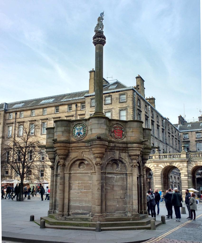 No centro de Edimburgo, a entrada para a Câmara Secreta!