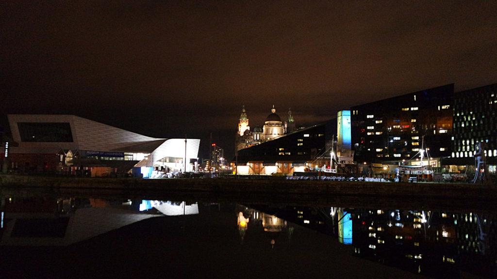 Liverpool à noite