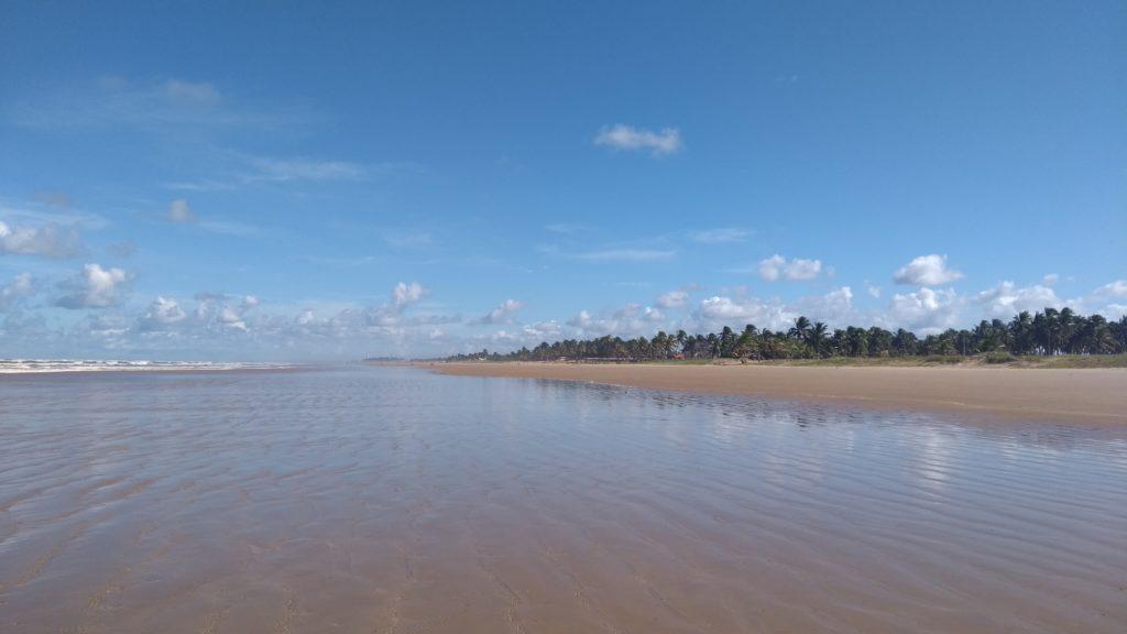 Praia do Mosqueiro, tranquila e deserta