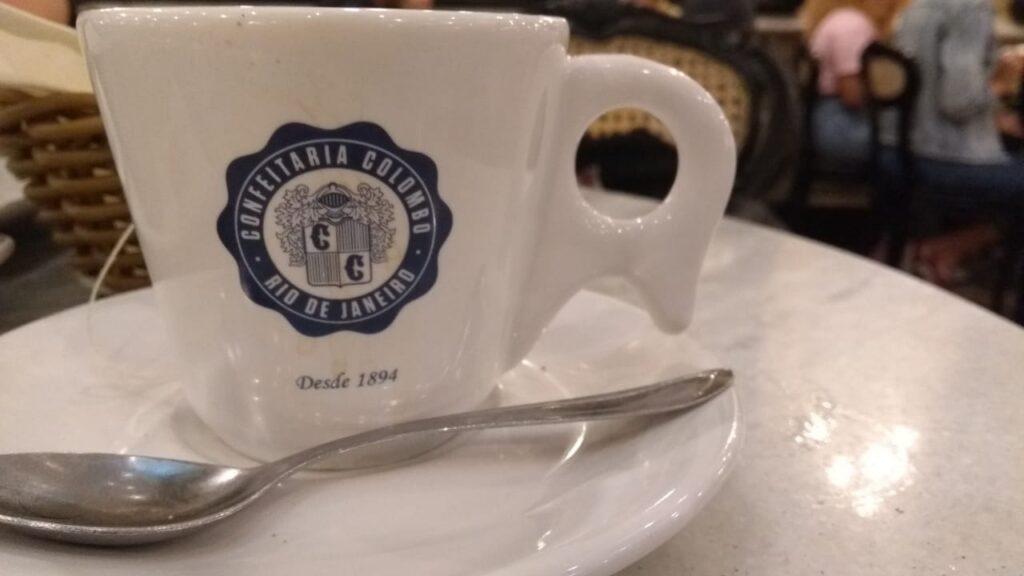 Café na Confeitaria Colombo no Rio de janeiro